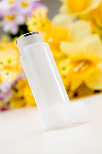 Allergy Medicine「Inhaler and flowers」:スマホ壁紙(2)