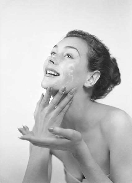 Beauty「Facial Cleanse」:写真・画像(2)[壁紙.com]