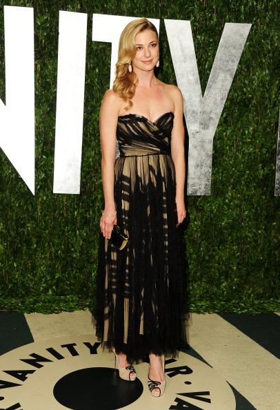 Emily VanCamp「2012 Vanity Fair Oscar Party Hosted By Graydon Carter - Arrivals」:写真・画像(1)[壁紙.com]