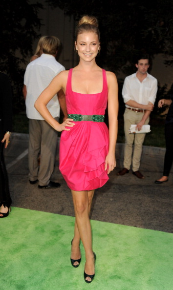 Emily VanCamp「2012 Environmental Media Awards - Arrivals」:写真・画像(19)[壁紙.com]