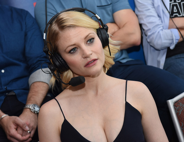 Emilie De Ravin「SiriusXM's Entertainment Weekly Radio Channel Broadcasts From Comic-Con 2016 - Day 3」:写真・画像(19)[壁紙.com]