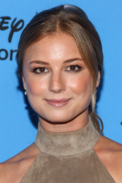 "Emily VanCamp「Disney & ABC Television Group's ""2013 Summer TCA Tour"" - Arrivals」:写真・画像(3)[壁紙.com]"
