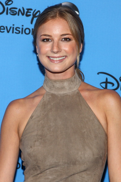 "Emily VanCamp「Disney & ABC Television Group's ""2013 Summer TCA Tour"" - Arrivals」:写真・画像(7)[壁紙.com]"