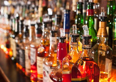 Alcohol - Drink「Bottle of liquor」:スマホ壁紙(16)