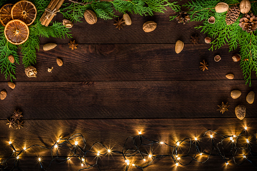 Nut - Food「Christmas decoration with copy space on a rustic wooden table」:スマホ壁紙(7)