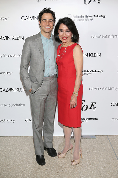 Bennett Raglin「2018 Future Of Fashion Runway Show At The Fashion Institute Of Technology - Arrivals」:写真・画像(2)[壁紙.com]