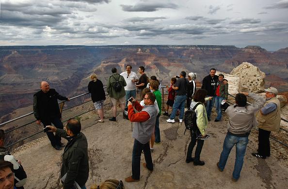 Tourist「Grand Canyon N.P. Gets Stimulus Dollars To Re-Build Trails」:写真・画像(19)[壁紙.com]