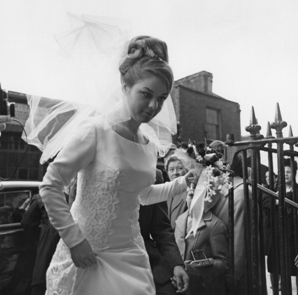 Wedding Dress「Frances Shea Marries Kray」:写真・画像(3)[壁紙.com]