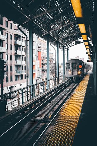 Approaching「NYC Subway Train」:スマホ壁紙(15)