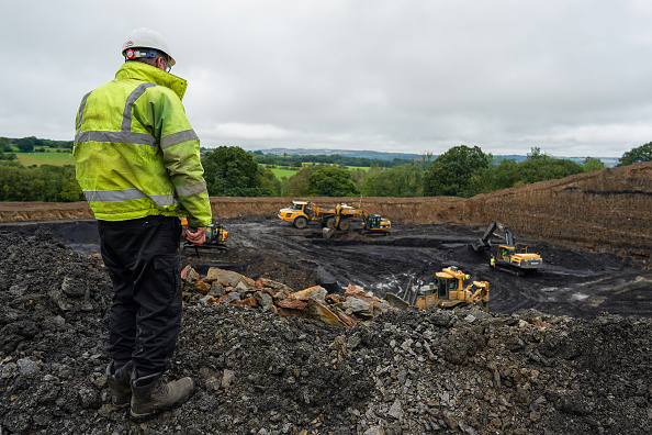 Mine「One Of England's Last Coal Mines Extracts Final Load」:写真・画像(8)[壁紙.com]
