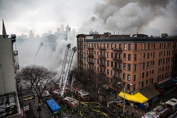 Exploding「Building Explosion In Manhattan's East Village」:写真・画像(9)[壁紙.com]