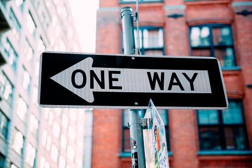 Guidance「USA, New York City, one way sign」:スマホ壁紙(5)