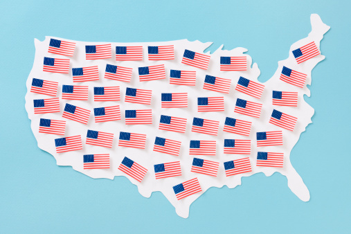 Medium Group Of Objects「American flags over US map」:スマホ壁紙(15)