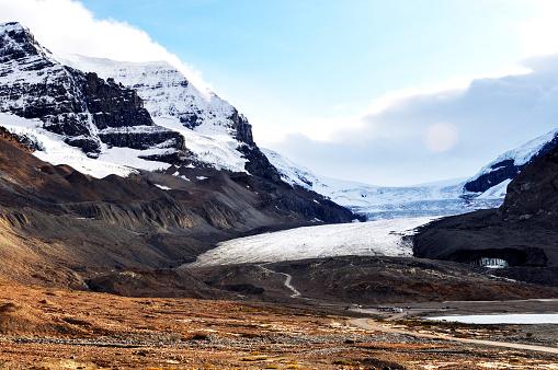 コロンビア大氷原「カナダ、アルバータ州ジャスパー国立公園のアサバスカ氷河」:スマホ壁紙(5)