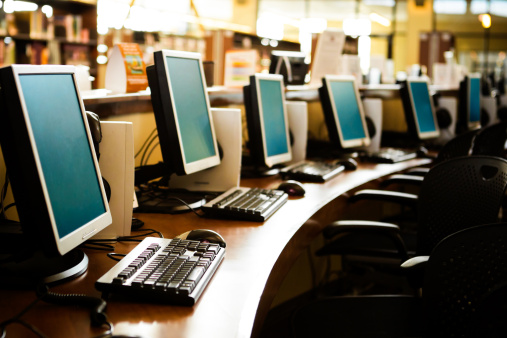 並んでいる「コンピュータのスクール形式」:スマホ壁紙(15)