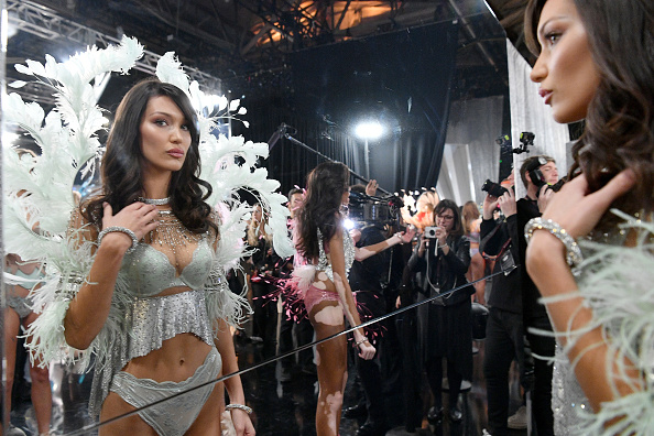 Victoria's Secret「2018 Victoria's Secret Fashion Show in New York - Backstage」:写真・画像(6)[壁紙.com]
