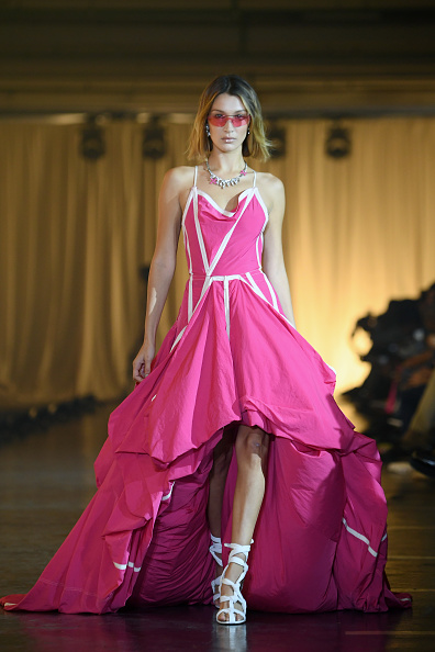 Womenswear「Off-White : Runway - Paris Fashion Week - Womenswear Spring Summer 2020」:写真・画像(12)[壁紙.com]