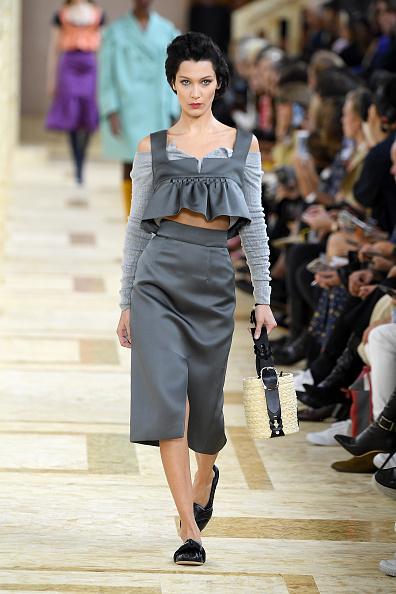 Womenswear「Miu Miu : Runway - Paris Fashion Week - Womenswear Spring Summer 2020」:写真・画像(6)[壁紙.com]