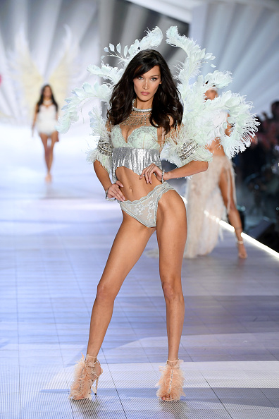 Victoria's Secret Fashion Show「2018 Victoria's Secret Fashion Show in New York - Runway」:写真・画像(14)[壁紙.com]