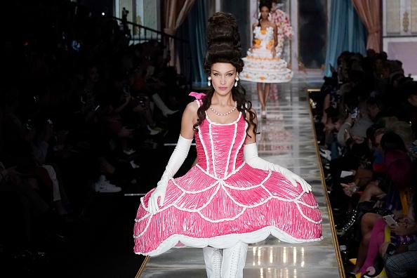 Milan Fashion Week「Moschino - Runway - Milan Fashion Week Fall/Winter 2020-2021」:写真・画像(16)[壁紙.com]