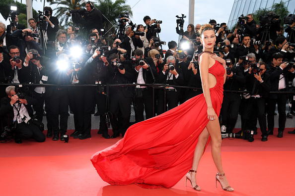 "Bella Hadid「""Pain And Glory (Dolor Y Gloria/ Douleur et Gloire)"" Red Carpet - The 72nd Annual Cannes Film Festival」:写真・画像(16)[壁紙.com]"