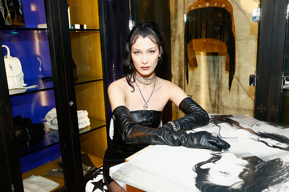 Julien M「Chrome Hearts X Bella Hadid Collaboration Launch - In Store Event」:写真・画像(10)[壁紙.com]