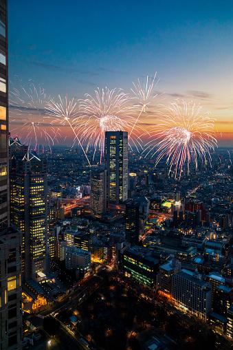 花火「新宿の夕日」:スマホ壁紙(1)
