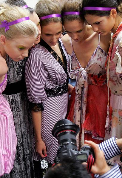Kristian Dowling「RAFW S/S 2007/08 - Nevenka Backstage」:写真・画像(0)[壁紙.com]