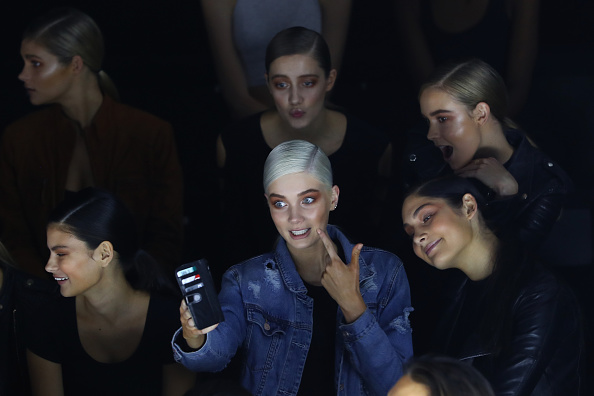 Photography Themes「Telecommunications At Mercedes-Benz Fashion Week Australia 2016」:写真・画像(1)[壁紙.com]