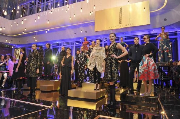 Almaty「Luxury Esentai Mall Opens In Almaty, Kazakhstan」:写真・画像(13)[壁紙.com]
