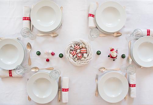 Christmas Decoration「Festive laid table」:スマホ壁紙(13)