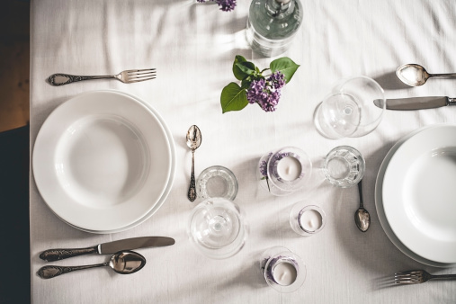 Silverware「Festive laid table with lilac, Syringa, view from above」:スマホ壁紙(18)