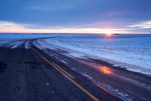 Moose Jaw「Winter Time Highway  Just Out Side Of Moose Jaw Saskatchewan Canada」:スマホ壁紙(2)