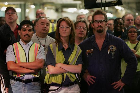 Manual Worker「Ford's Chicago Assembly Plant Celebrates 2008 Models」:写真・画像(3)[壁紙.com]