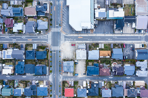 Aerial View「A landscape where houses stand around a large intersection」:スマホ壁紙(7)
