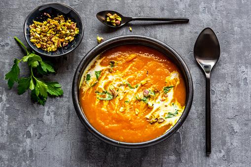 Mash - Food State「Sweet potato soup with curcuma, coriander and pistazio」:スマホ壁紙(3)