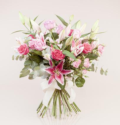 ピンク色「美しいブーケ」:スマホ壁紙(17)