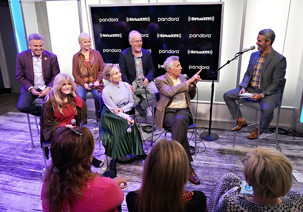 Shallow「Andy Cohen's Deep And Shallow Interview Special With The Cast Of The Brady Bunch On SiriusXM's Radio Andy Channel At The SiriusXM Studios In New York City」:写真・画像(8)[壁紙.com]