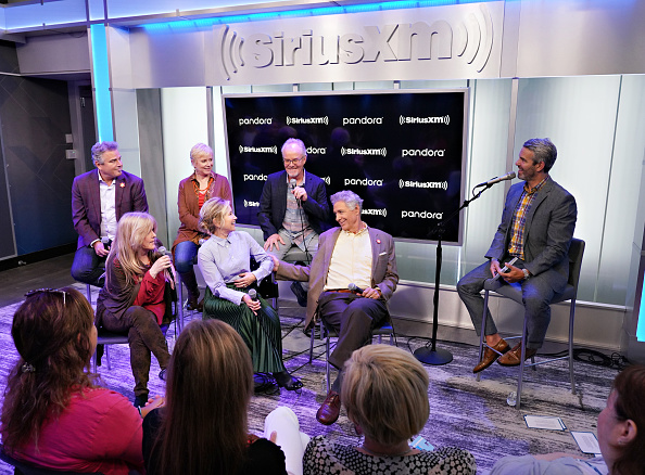 Shallow「Andy Cohen's Deep And Shallow Interview Special With The Cast Of The Brady Bunch On SiriusXM's Radio Andy Channel At The SiriusXM Studios In New York City」:写真・画像(14)[壁紙.com]