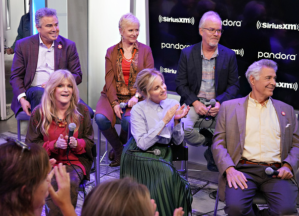 Shallow「Andy Cohen's Deep And Shallow Interview Special With The Cast Of The Brady Bunch On SiriusXM's Radio Andy Channel At The SiriusXM Studios In New York City」:写真・画像(16)[壁紙.com]
