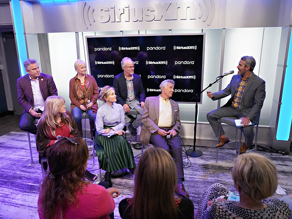 Shallow「Andy Cohen's Deep And Shallow Interview Special With The Cast Of The Brady Bunch On SiriusXM's Radio Andy Channel At The SiriusXM Studios In New York City」:写真・画像(7)[壁紙.com]