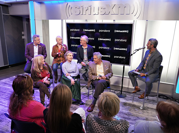 Shallow「Andy Cohen's Deep And Shallow Interview Special With The Cast Of The Brady Bunch On SiriusXM's Radio Andy Channel At The SiriusXM Studios In New York City」:写真・画像(12)[壁紙.com]
