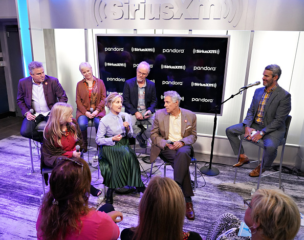 Shallow「Andy Cohen's Deep And Shallow Interview Special With The Cast Of The Brady Bunch On SiriusXM's Radio Andy Channel At The SiriusXM Studios In New York City」:写真・画像(10)[壁紙.com]