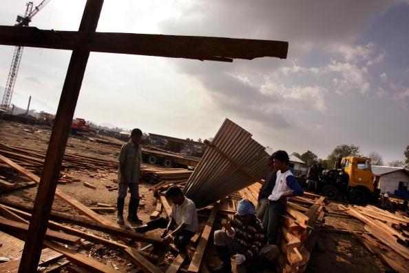 Square Shape「Banda Aceh Struggles After Devastating Quake And Tsunami」:写真・画像(11)[壁紙.com]