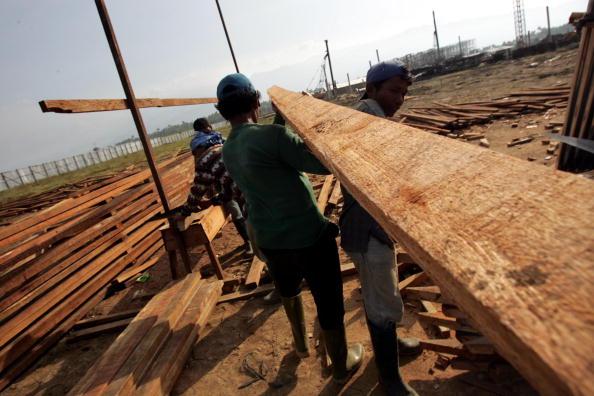 Square Shape「Banda Aceh Struggles After Devastating Quake And Tsunami」:写真・画像(9)[壁紙.com]