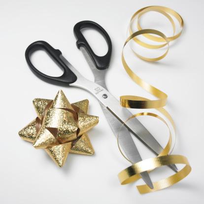 Annual Event「Ribbon with scissor, close-up」:スマホ壁紙(14)