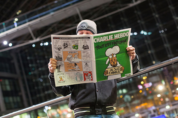 Charlie Hebdo「Charlie Hebdo Sales Begin In Berlin」:写真・画像(17)[壁紙.com]