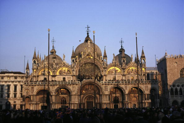 バシリカ「St Mark's Basilica in Venice, Italy, Photography, 2005」:写真・画像(3)[壁紙.com]