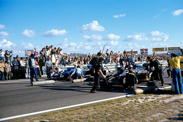 Netherlands「Mario Andretti, Jody Scheckter, Grand Prix Of The Netherlands」:写真・画像(9)[壁紙.com]