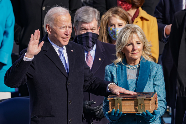 Presidential Inauguration「Joe Biden Sworn In As 46th President Of The United States At U.S. Capitol Inauguration Ceremony」:写真・画像(3)[壁紙.com]